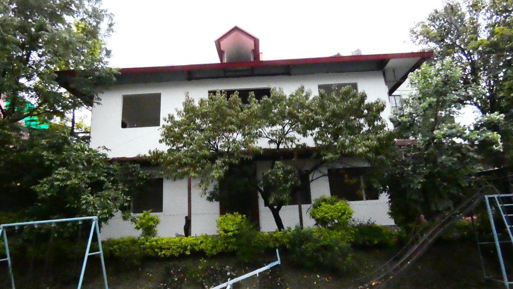 Das neue Schulgebäude in Dhapasi Heights
